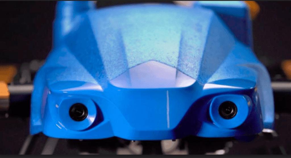 EA2020を正面から見た画像、障害物回避の目