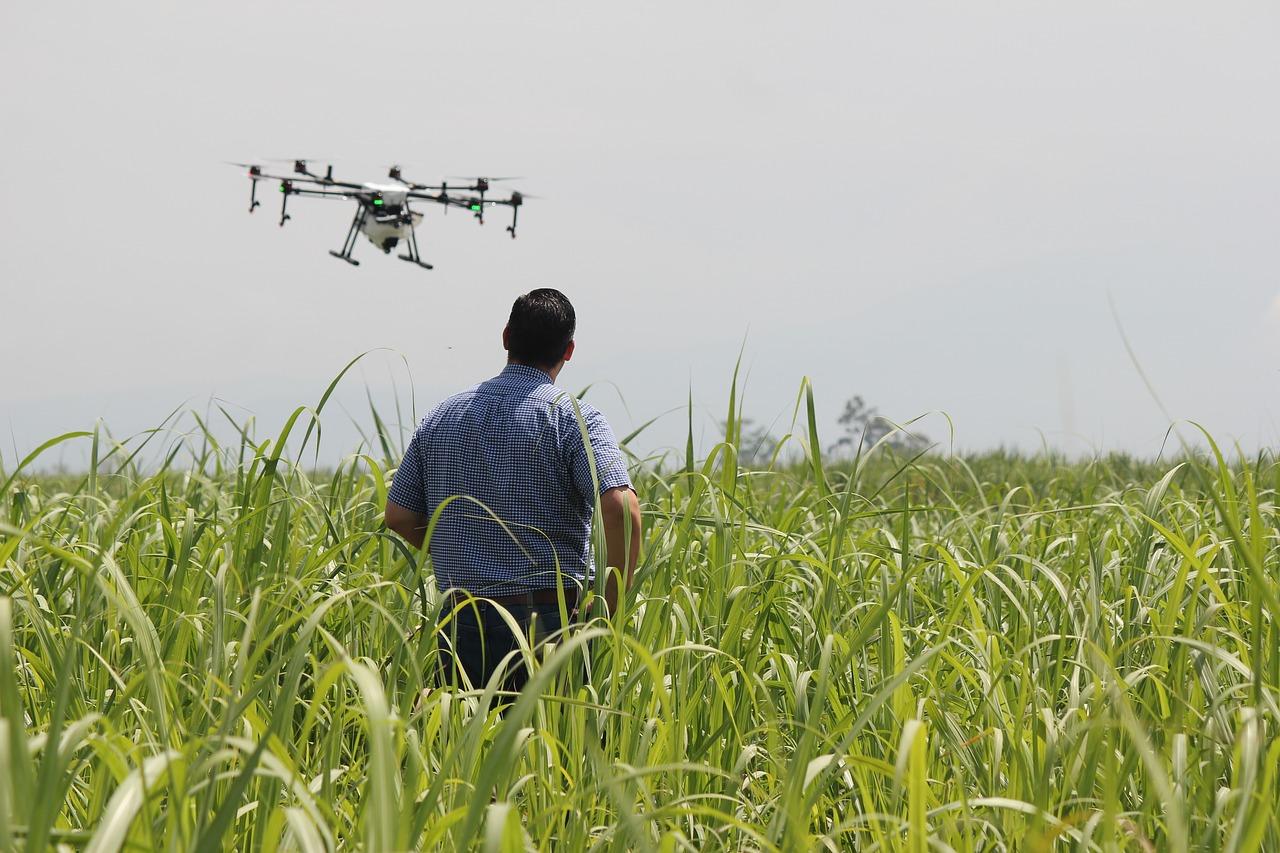 ドローンによる農薬散布方法が変わる!農業用ドローンの自動航行(自動運転)で実現できること